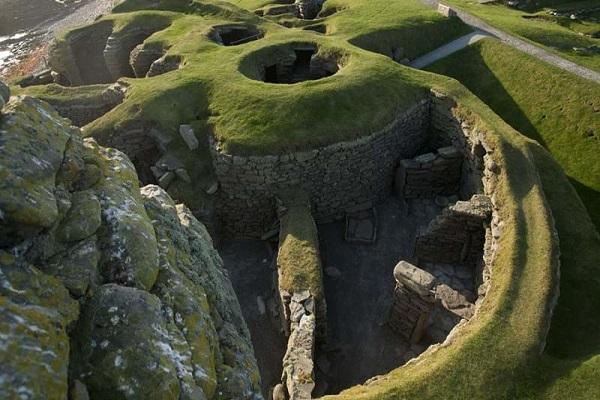 Jarlshof Prehistoric and Norse Settlement in Shetland